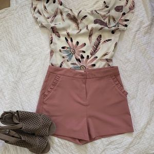 Have 🌼 High waisted shorts 🌼 light pink